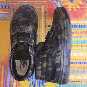 🇺🇸 Vans Kids Camo High Top Sneakers 🇺🇸